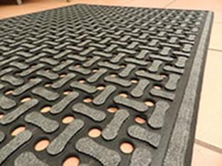 flow-through mat